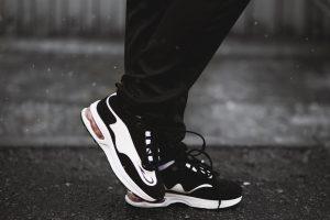 Runner legs & feet